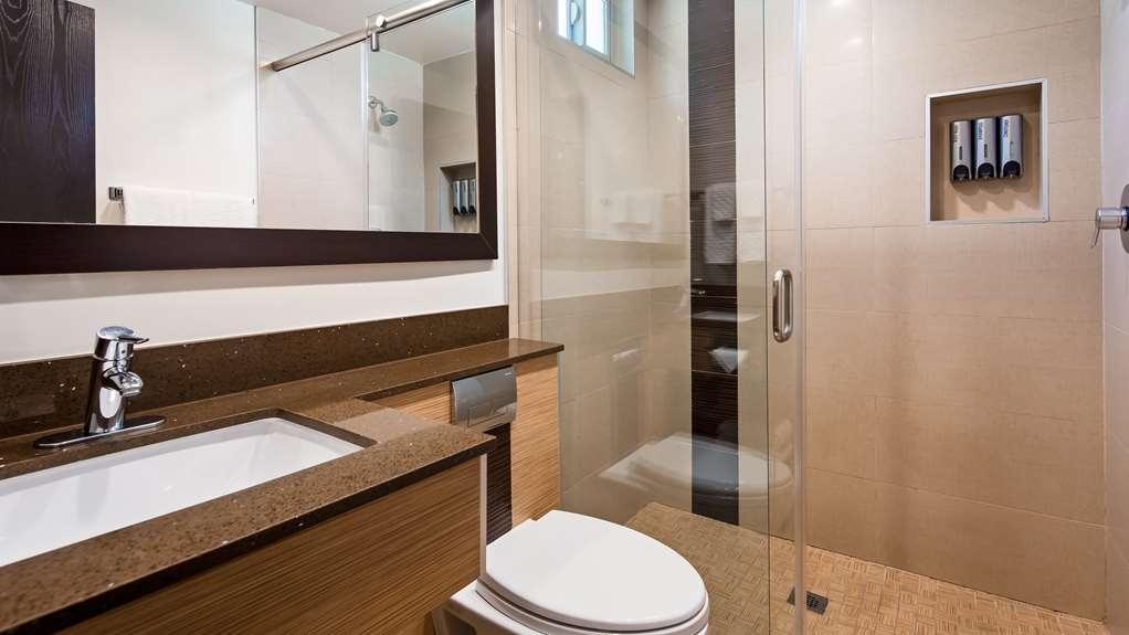 Best Western Plus Glendale - Guest Bathroom Walk in Shower