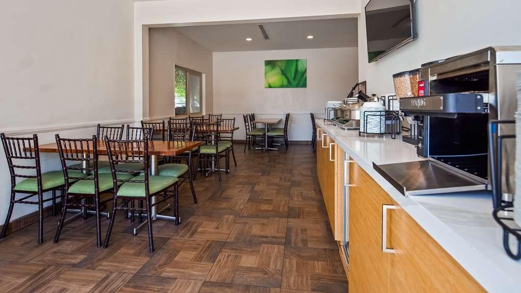 Best Western Plus Glendale - Breakfast Buffet