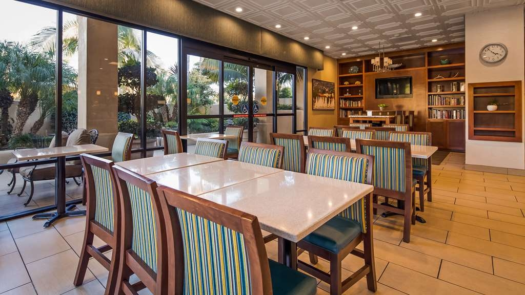 Best Western Plus South Coast Inn - Restaurant / Gastronomie