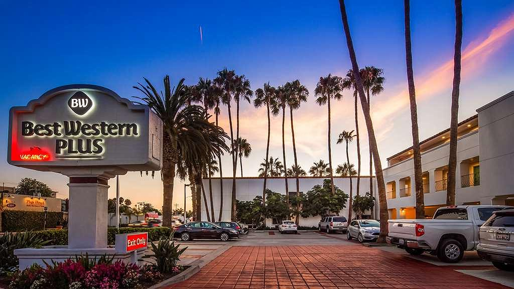 Best Western Plus Casablanca Inn - Außenansicht