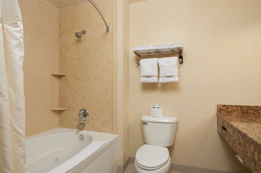 Best Western Plus Casablanca Inn - Spa Bath