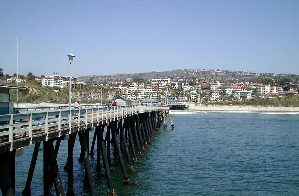 Best Western Plus Casablanca Inn - The San Clemente Pier is a gorgeous outdoor spot where you can take in the great weather and enjoy oceanfront dining!