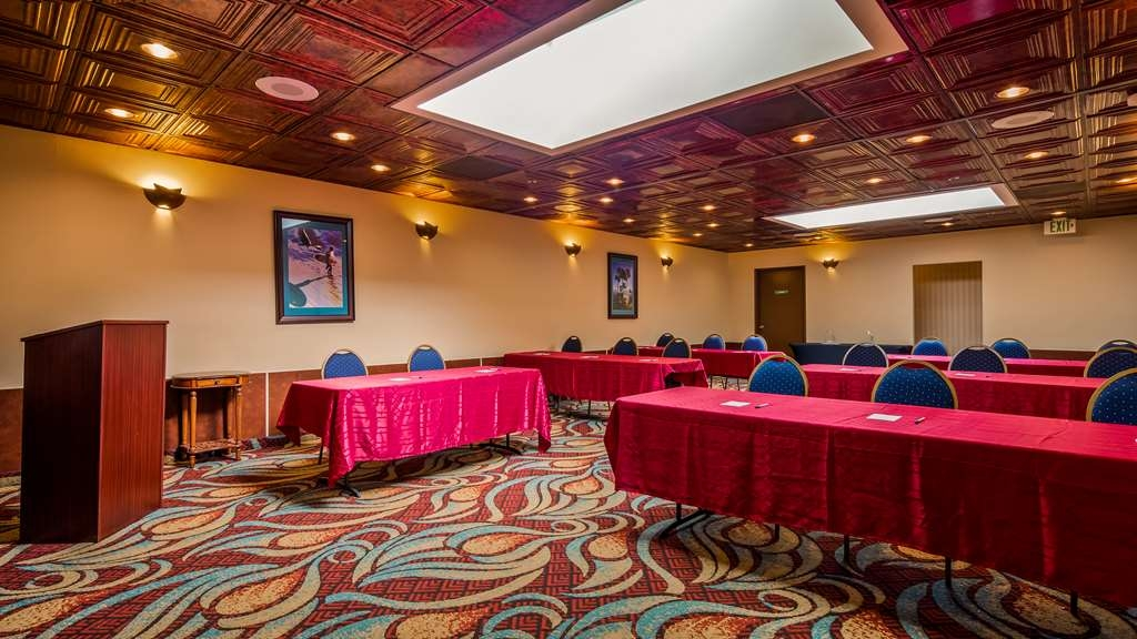 Best Western Plus Casablanca Inn - Meeting room