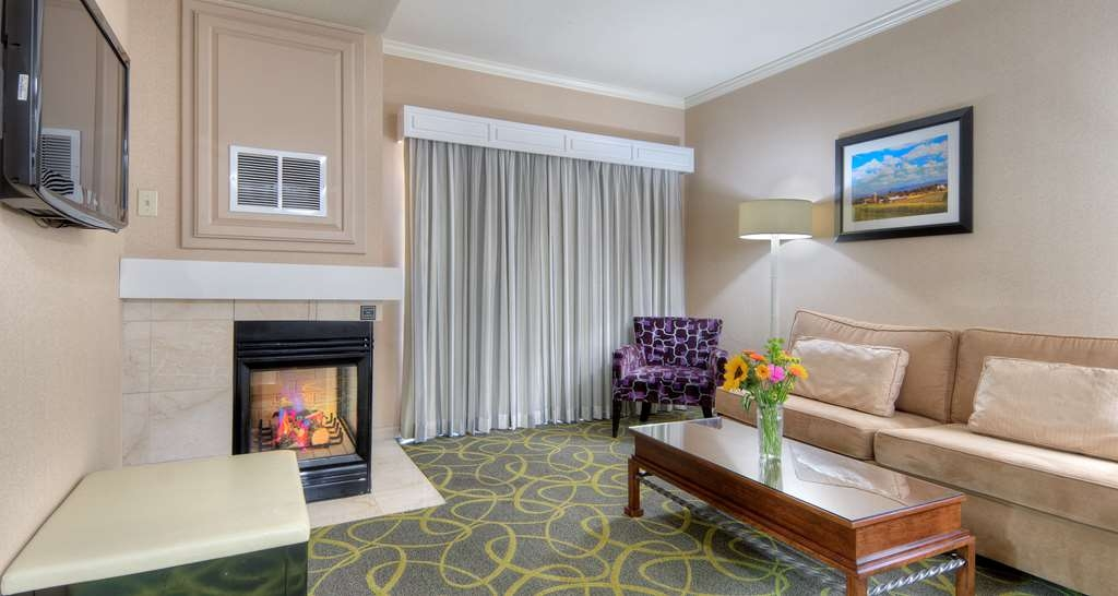 Best Western Plus Dixon Davis - Suite