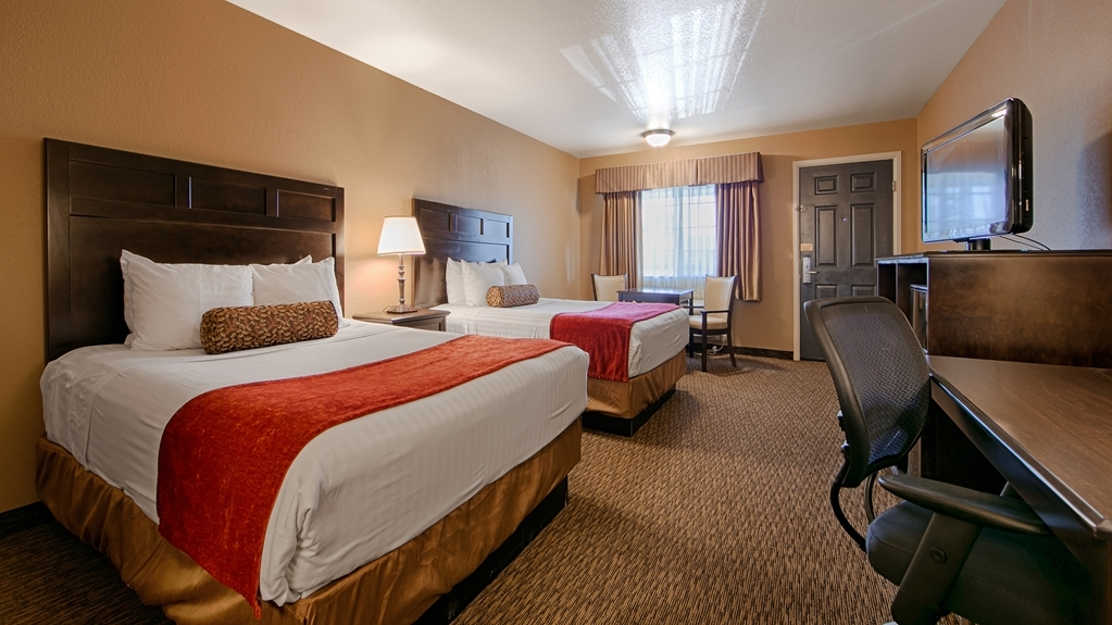 Best Western Country Inn - Make yourself at home in our Two Queen guest room.