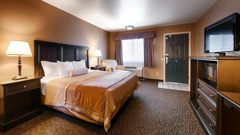 Best Western Country Inn - Make yourself at home in our King bed guest room.
