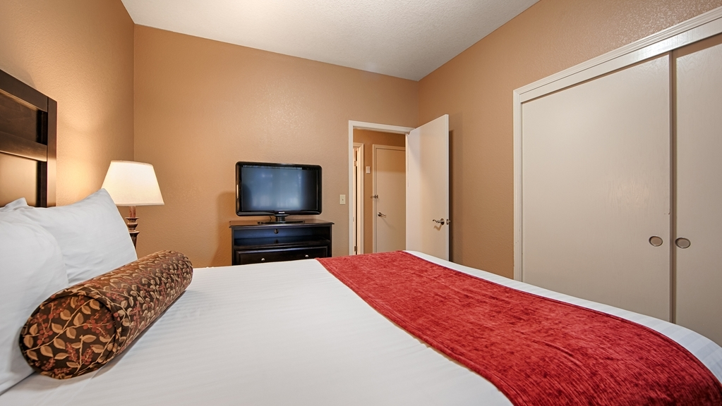 Best Western Country Inn - Suite