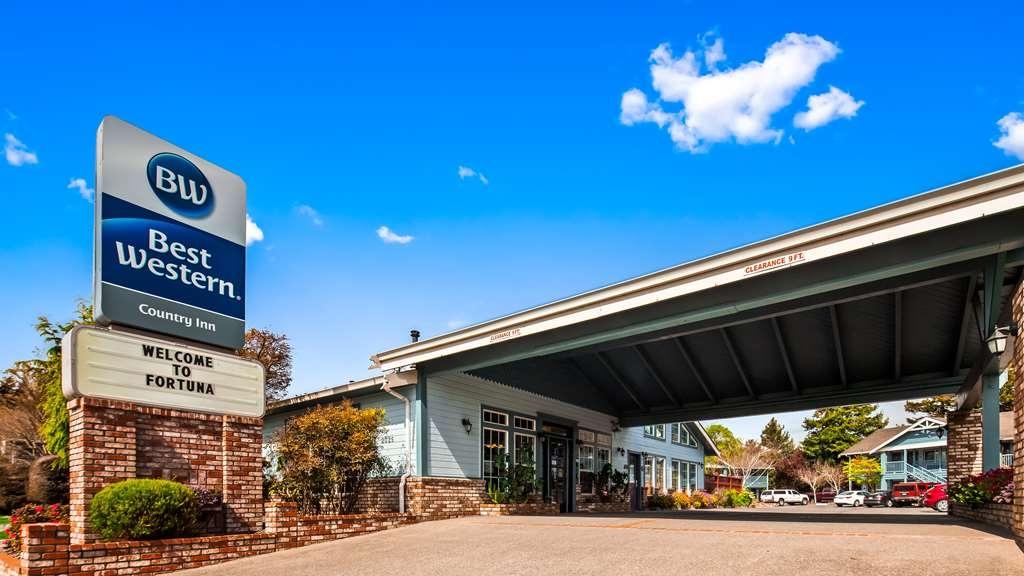Best Western Country Inn - Facciata dell'albergo