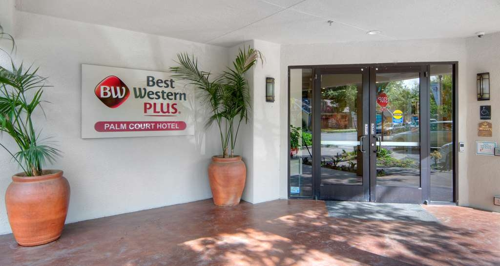 Best Western Plus Palm Court Hotel - Außenansicht