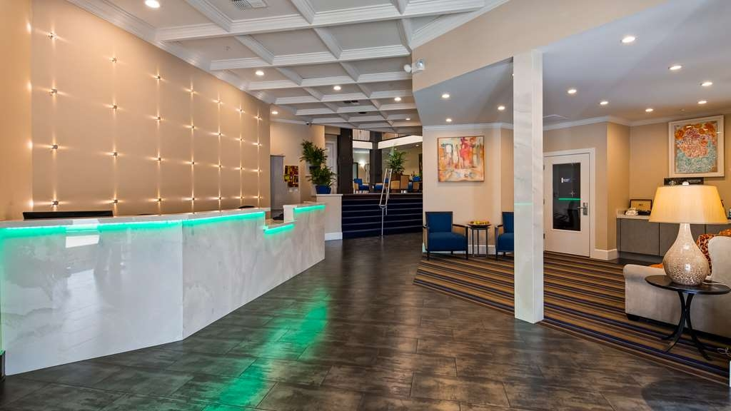 Best Western Plus Palm Court Hotel - Lobbyansicht