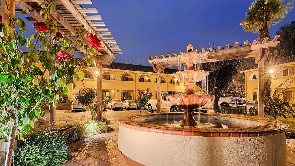 Best Western Plus Brookside Inn - Aussenansicht