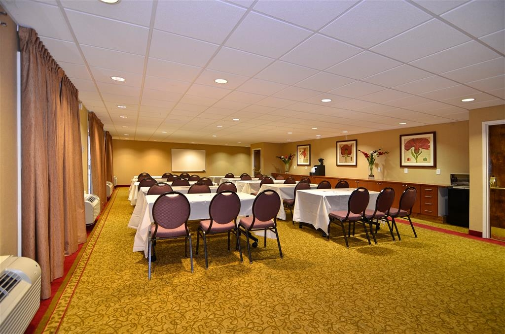 Best Western Plus Brookside Inn - Host your next meeting with us! Call our hotel staff for more details.