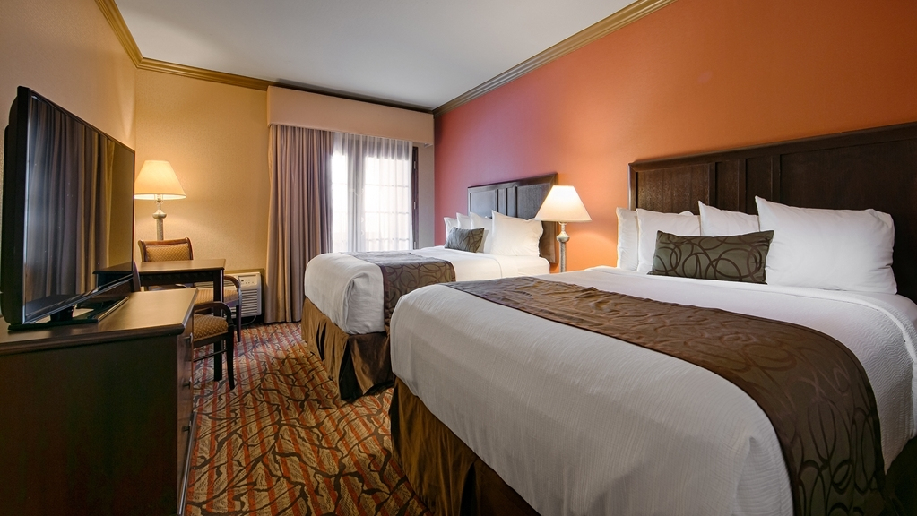 Best Western Plus Brookside Inn - Stretch out and relax in our two queen guest room.