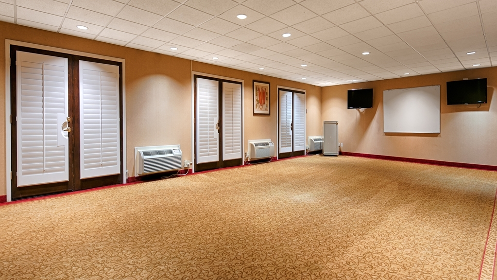 Best Western Plus Brookside Inn - Take advantage of our meeting room and facilities.