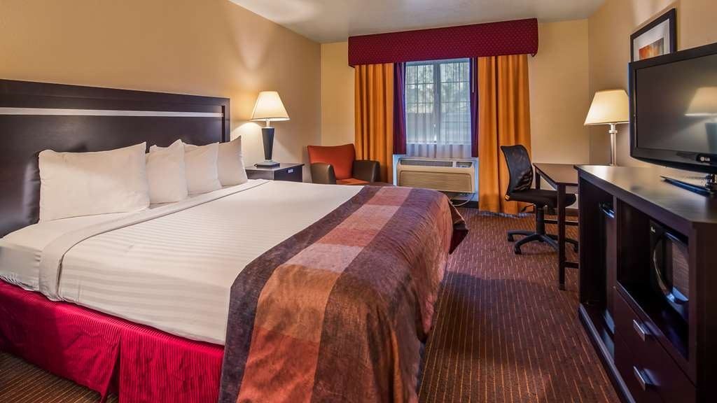Best Western Luxury Inn - Stretch out and relax in the Standard King Room.