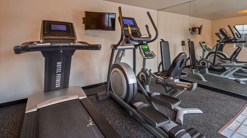 Best Western Luxury Inn - Fit a workout into your busy day during your stay with the convenience of our 24-hour fitness center.