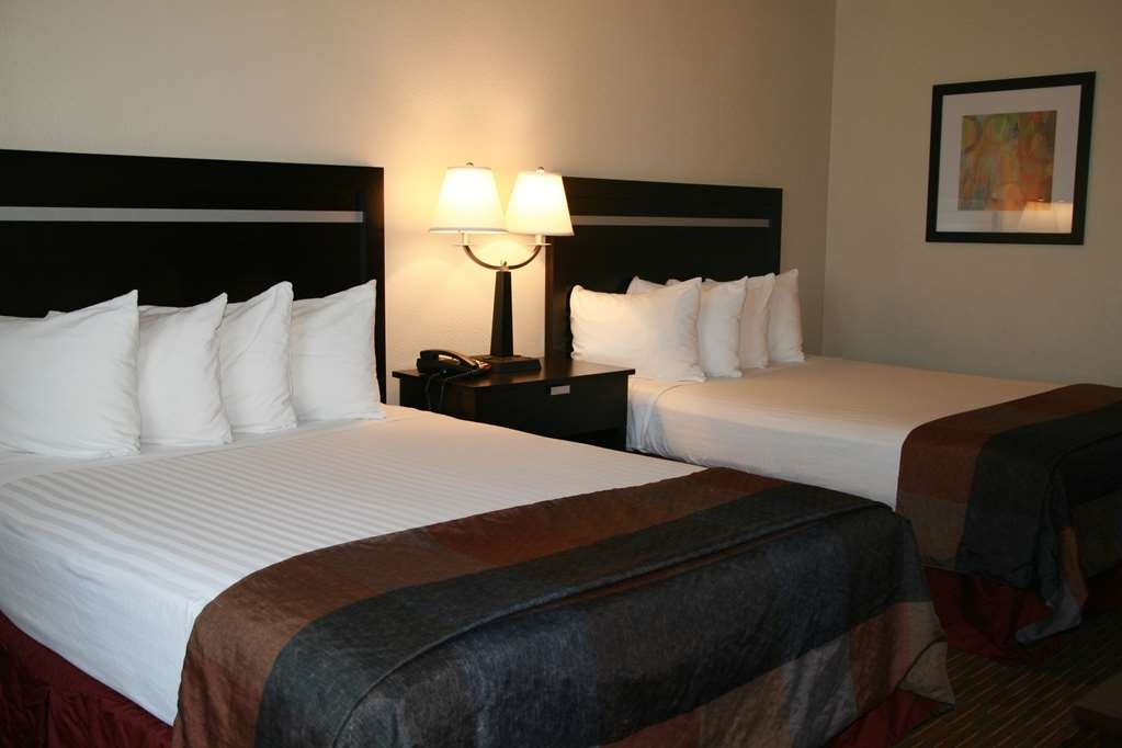 Best Western Luxury Inn - Your comfort is our first priority. In our two queen guest room, you will find that and much more.