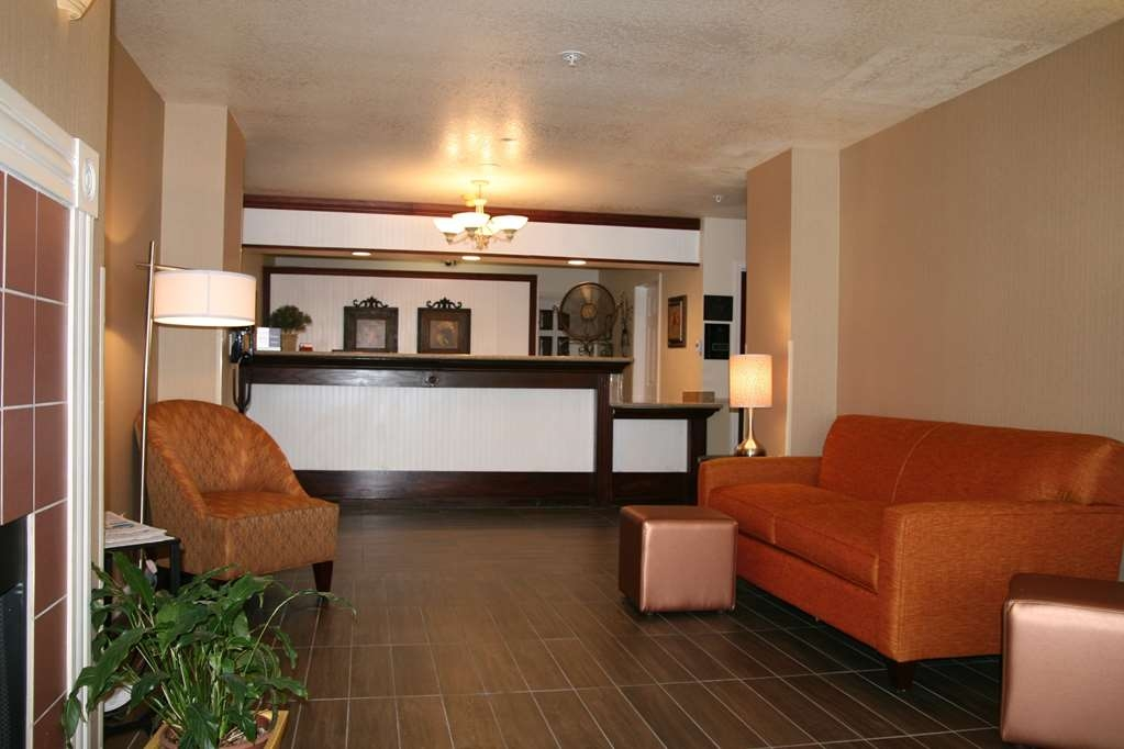 Best Western Luxury Inn - Our lobby is the perfect spot to relax after a long day of work and travel.