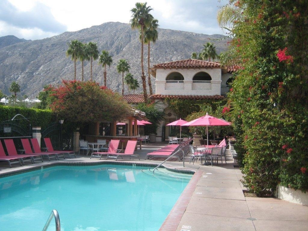 Best Western Plus Las Brisas Hotel - Enjoy our pool and beautiful mountain views.