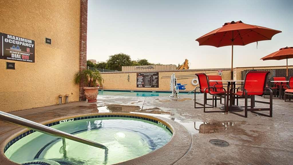 Best Western Plus Raffles Inn & Suites - Balneario