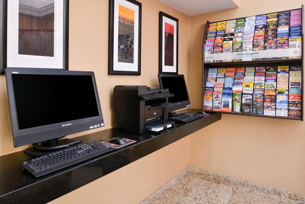 Best Western Plus Raffles Inn & Suites - affari-centro