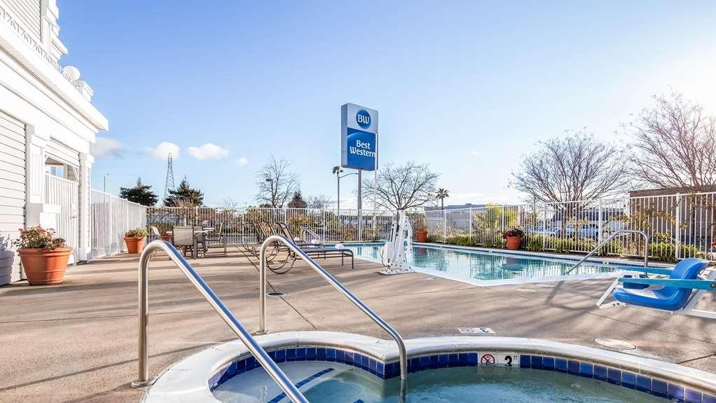 Best Western John Jay Inn - Hot tub open daily in the Pool Area