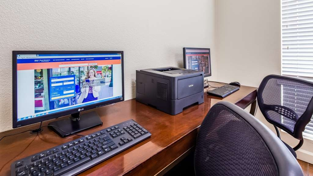 Best Western John Jay Inn - Keep up with work in our Business Center