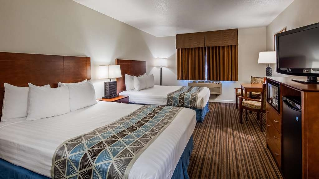 Best Western John Jay Inn - Make yourself at home in our Two Queen Guest Room
