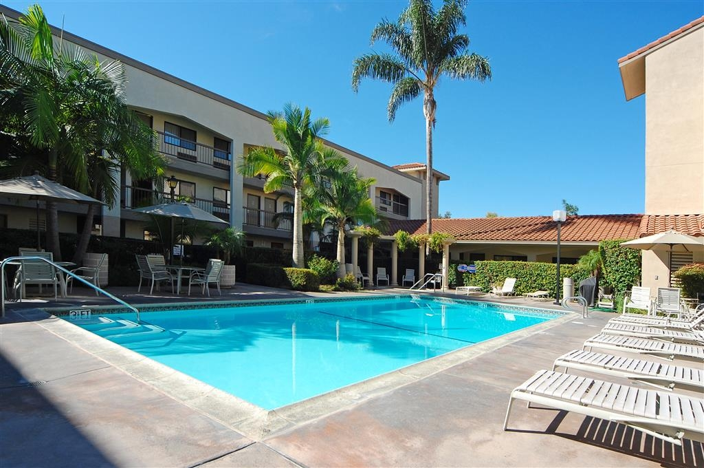Best Western Plus Orange County Airport North - Pool