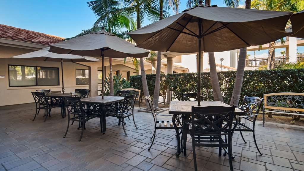 Best Western Plus Orange County Airport North - Patio