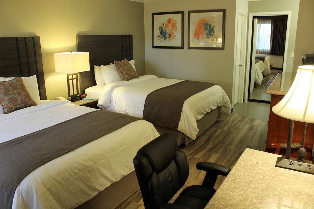 Best Western Plus Orange County Airport North - Double Queen Guest Room