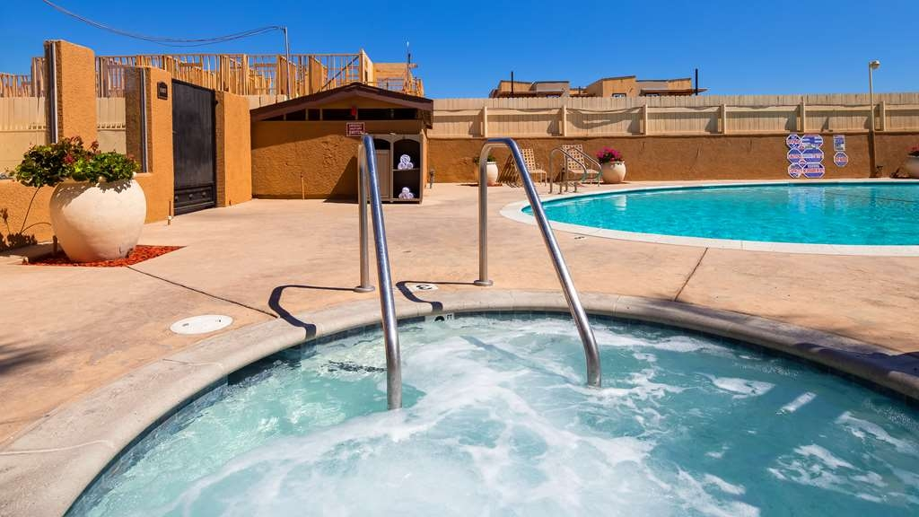 Best Western Oxnard Inn - Vista de la piscina