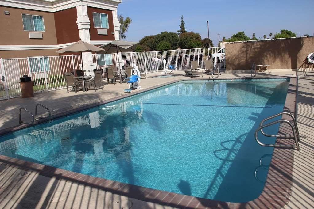 Best Western Americana - Vista de la piscina
