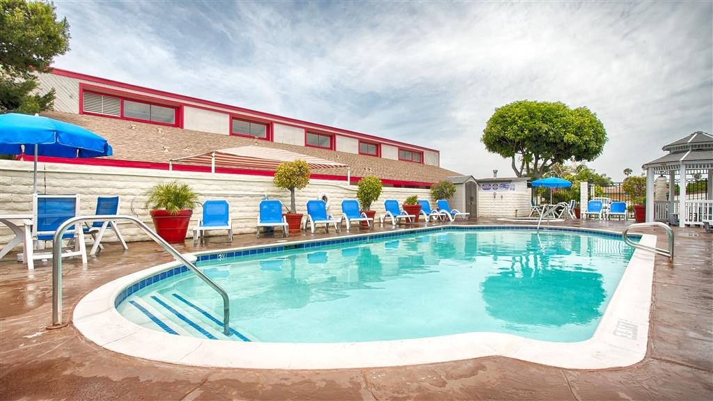 Best Western Surf City - Vue de la piscine