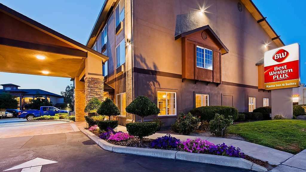 Best Western Plus Rama Inn & Suites - Vista exterior