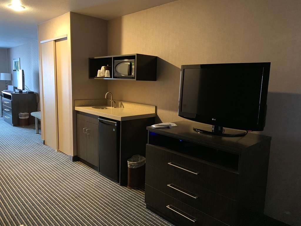 Best Western Plus Rama Inn & Suites - Habitaciones/Alojamientos