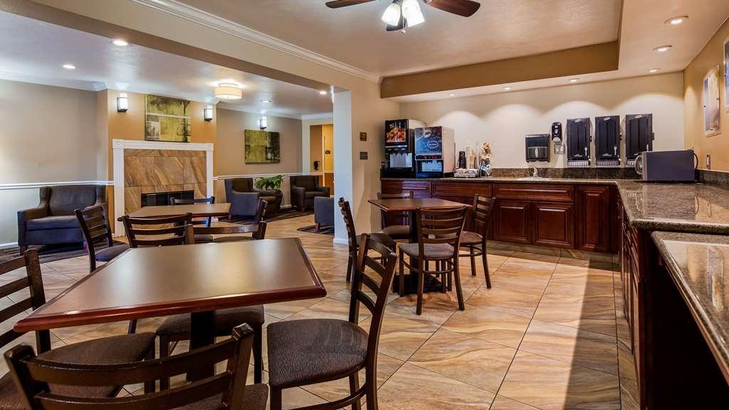 Best Western El Centro Inn - Breakfast Area