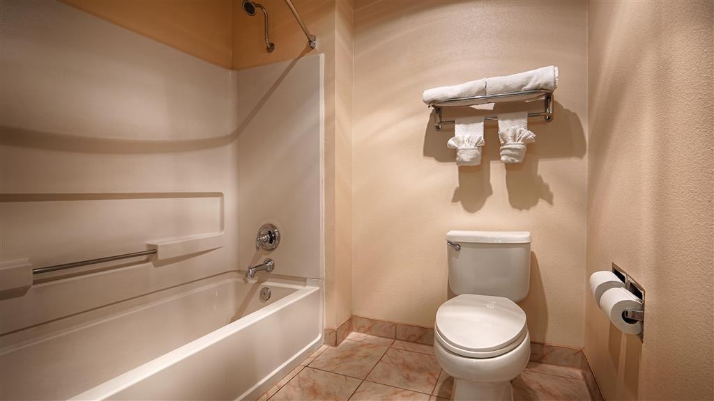 Best Western El Centro Inn - Cuarto de baño de clientes
