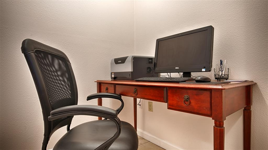 Best Western Salinas Monterey Hotel - Keep up with work in our business center.