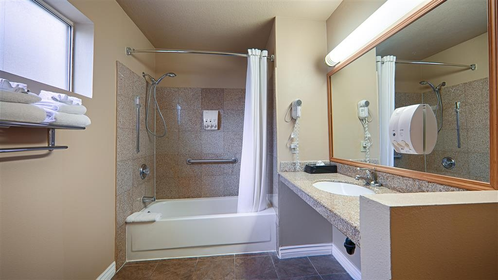Best Western Kettleman City Inn & Suites - Forgot Shampoo? Dont worry we have you covered, complimentary shampoo, conditioner and lotion are provided.