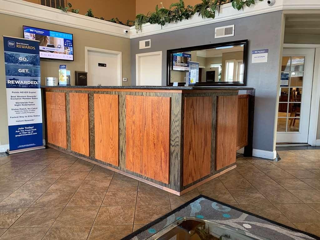 Best Western Kettleman City Inn & Suites - Vue du lobby