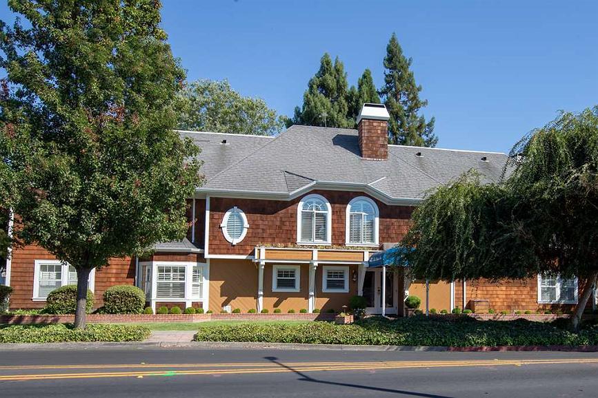 Best Western Plus Elm House Inn - Vista Exterior