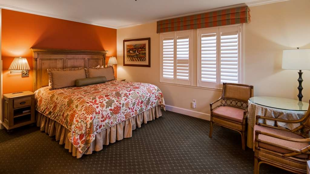 Best Western Plus Elm House Inn - King Traditional Guest Room