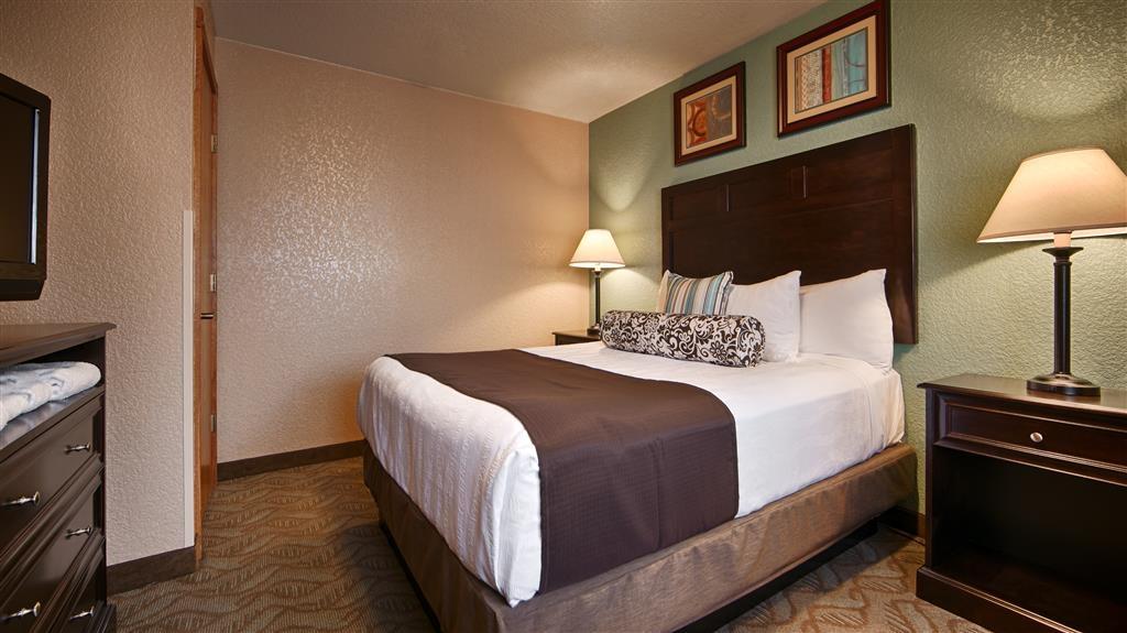 Best Western Plus Bayshore Inn - Habitación de categoría superior con 2 camas de matrimonio grandes
