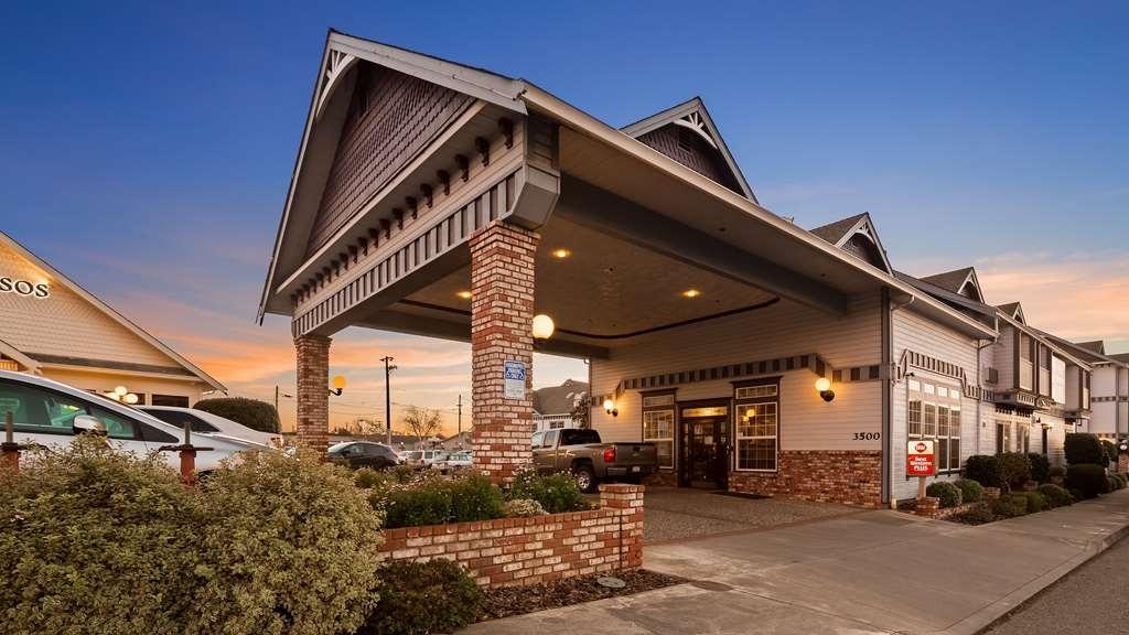 Best Western Plus Bayshore Inn - Vista Exterior