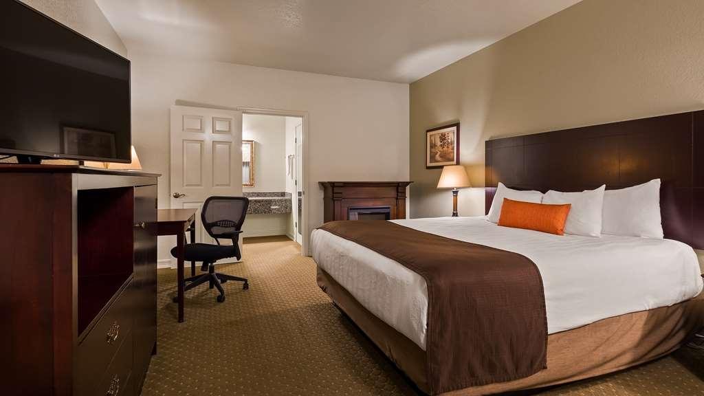 2734f14c8 Best Western Plus Bayshore Inn - Guest Room