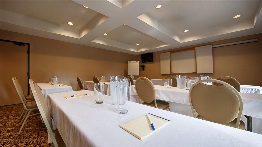 Best Western John Muir Inn - Here for a meeting? Take advantage of our meeting room.
