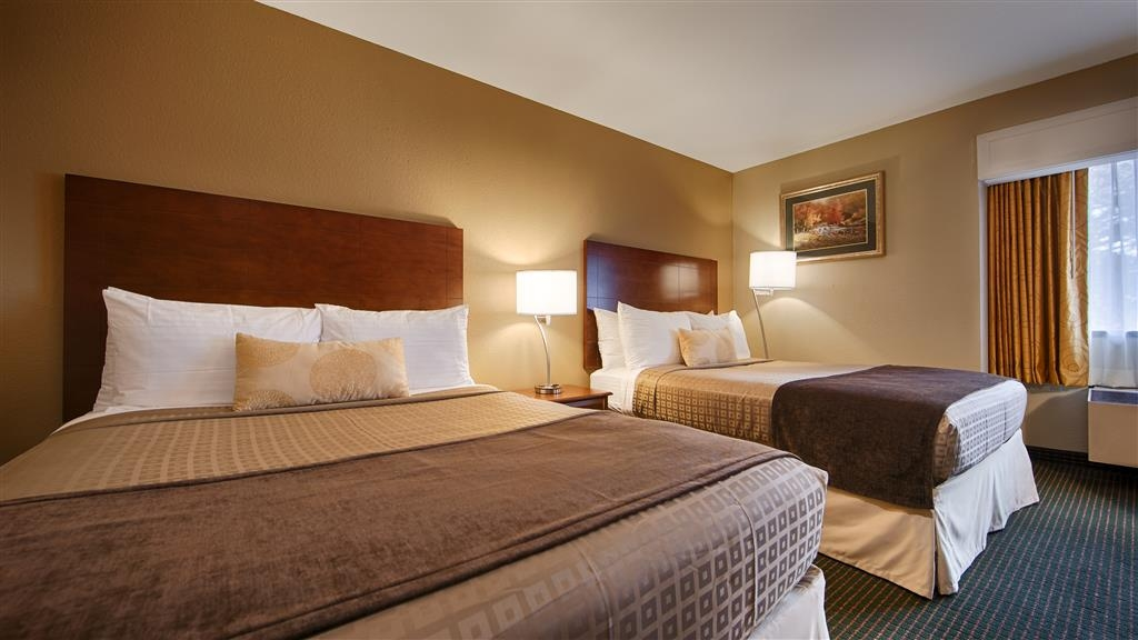 Best Western John Muir Inn - Make yourself at home in our two queen guest room.