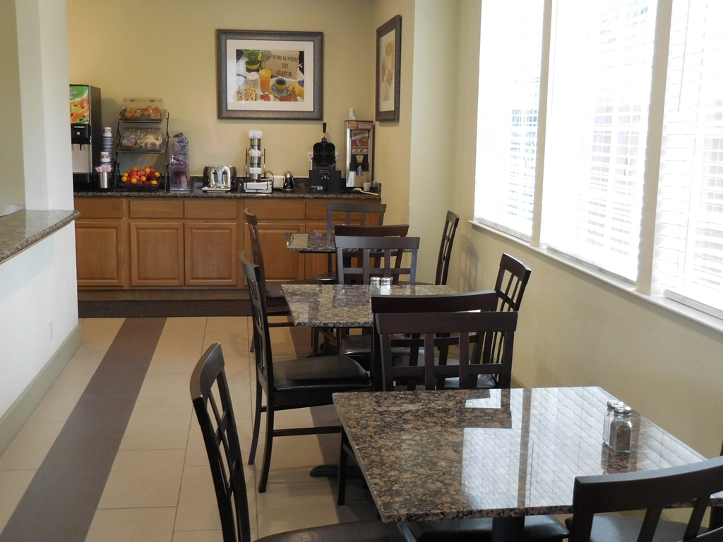 Best Western Willits Inn - Enjoy the first meal of the day in our breakfast area.