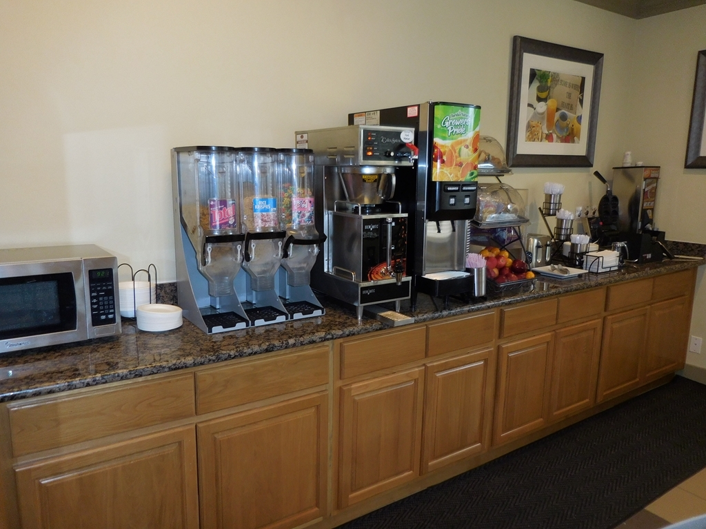 Best Western Willits Inn - Take advantage of our complimentary breakfast!